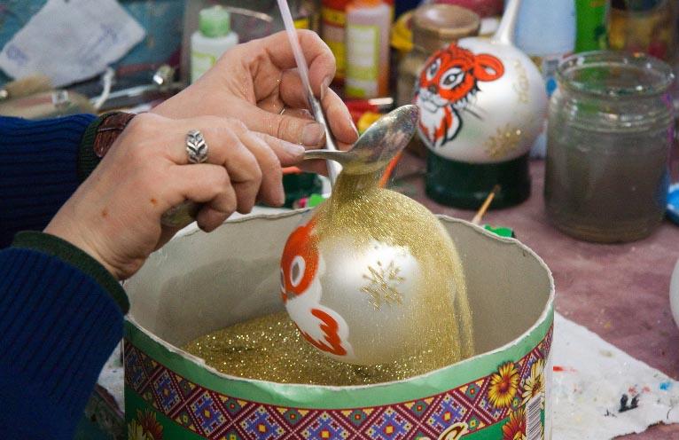 Изготовление ёлочной игрушки своими руками